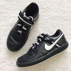 Nike Women's Vandal Sneakers Low Top black